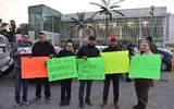 Con manifestación exigen a Corral un alto al decomiso de autos // Foto: Manuel Saenz